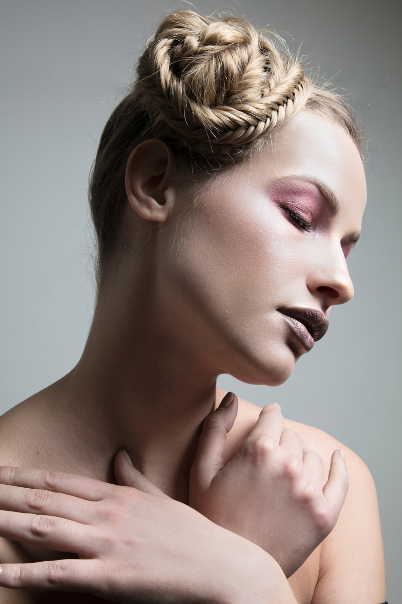Vika models braided hairstyle: Jeff Tse