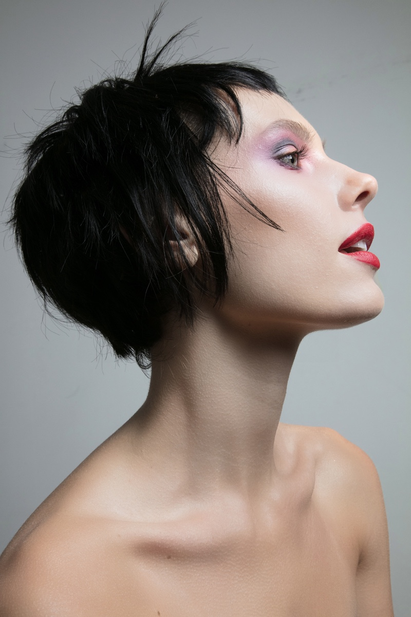 Model Jenny Savers wears cropped hairstyle. Photo: Jeff Tse