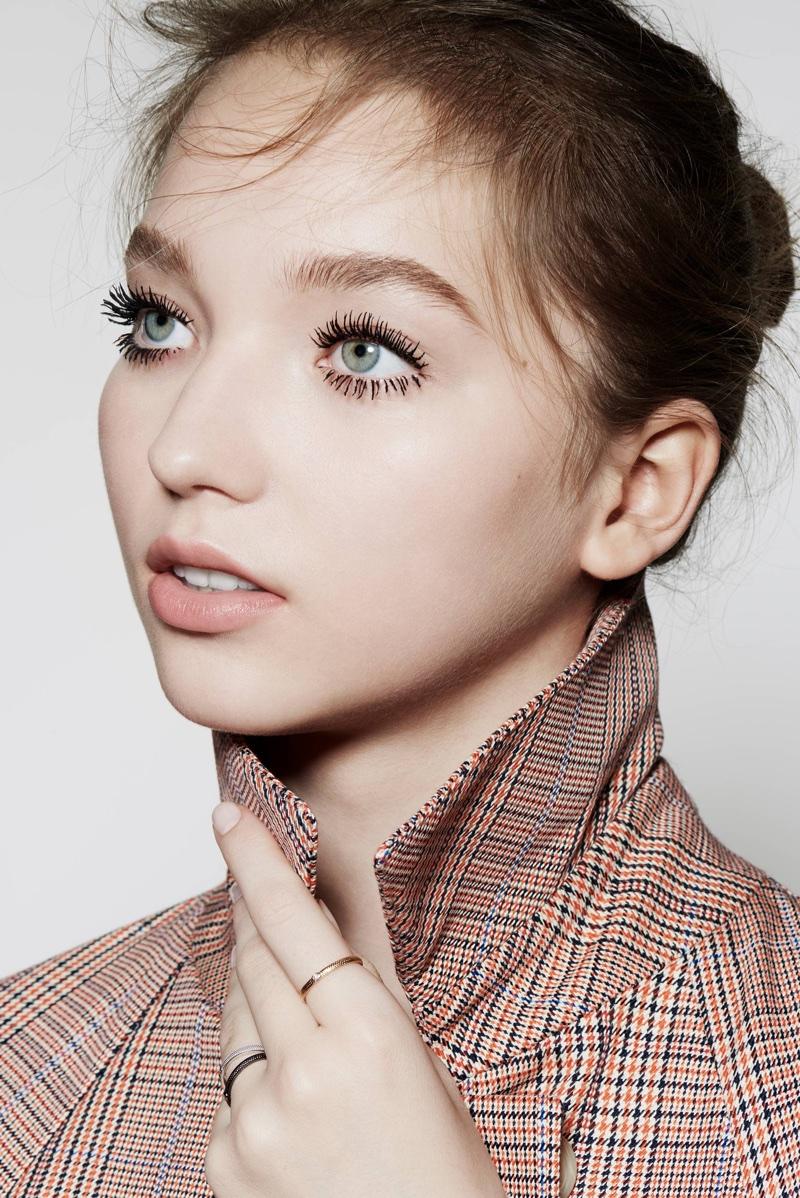 Milena Ioanna Models Dior's Spring Makeup Looks for ELLE France