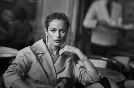 Carolyn Murphy poses in Florence, Italy, for Buccellati's spring-summer 2018 campaign