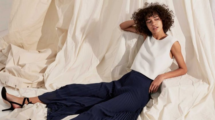 She Makes It Look Easy: 5 Effortless Spring Looks From Club Monaco