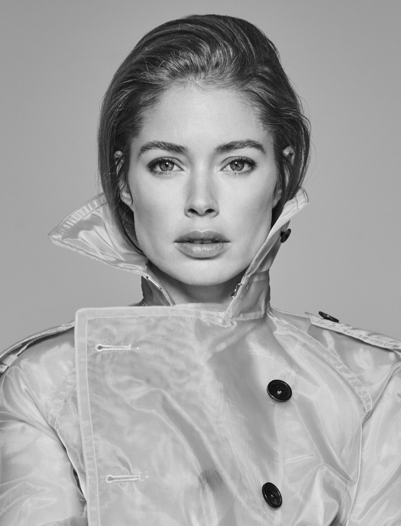 Ready for her closeup, Doutzen Kroes wears a trench coat