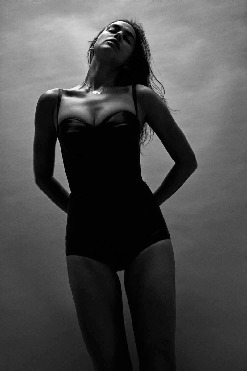 Irina Shayk No Makeup Look Editorial Vogue Germany
