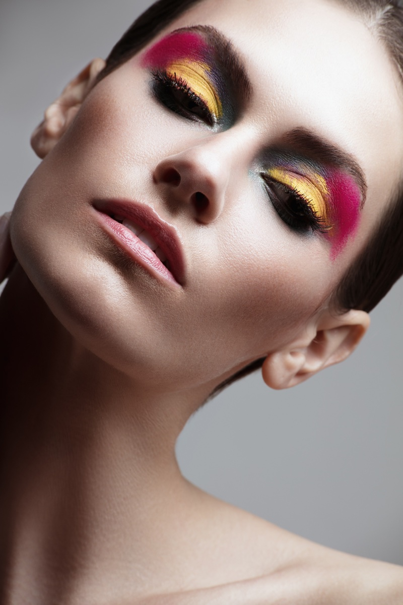 Kate Herman models daring eyeshadow look. Photo: Jeff Tse