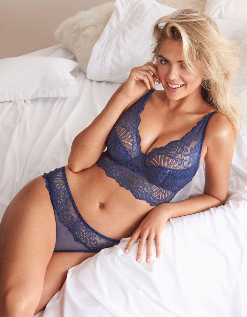 Kate Upton models blue lingerie for Yamamay's spring-summer 2018 campaign
