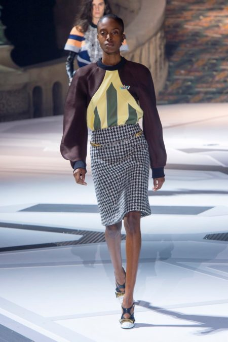 Louis Vuitton Juxtaposes Past & Present for Fall 2018
