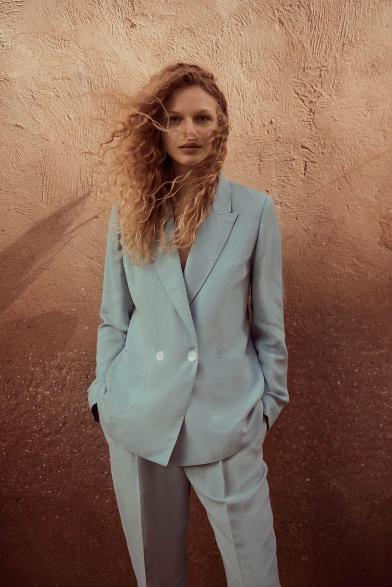 Suiting up in blue, Frederikke Sofie wears Massimo Dutti designs