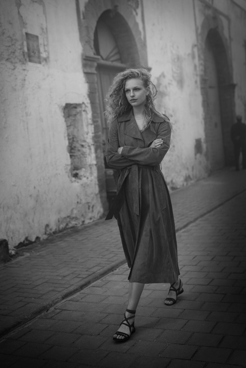 Frederikke Sofie wears Massimo Dutti in North Africa