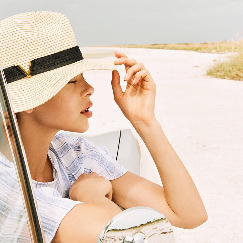 Georgia Fowler wears wide-brimmed hat for Vince Camuto's spring-summer 2018 campaign
