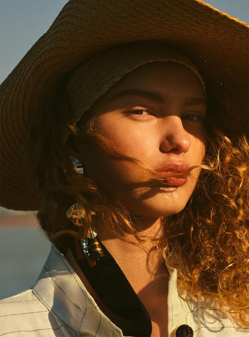 Model Dorit Revelis poses for Zara Salt Lake spring-summer 2018 lookbook