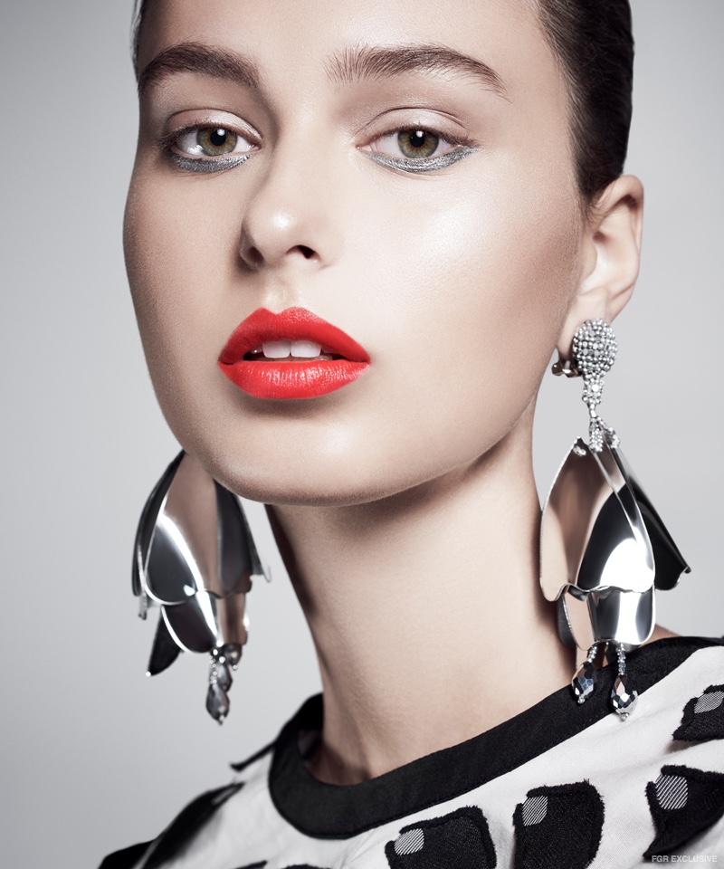 Earrings Oscar de la Renta and 3D Balloon Petal Top Self-Portrait