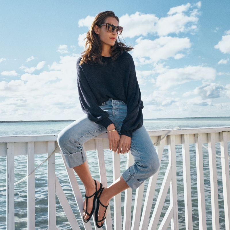 H&M Loose-Knit Sweater, Original Straight Jeans, Sandals, Polarized Sunglasses and Bracelet