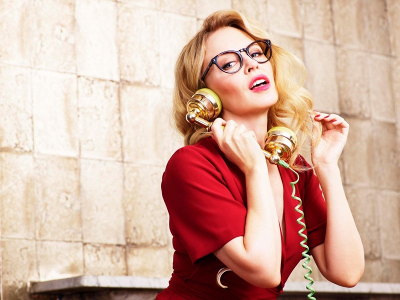 Kylie Minogue Looks Stylish In Specsavers Eyewear Campaign