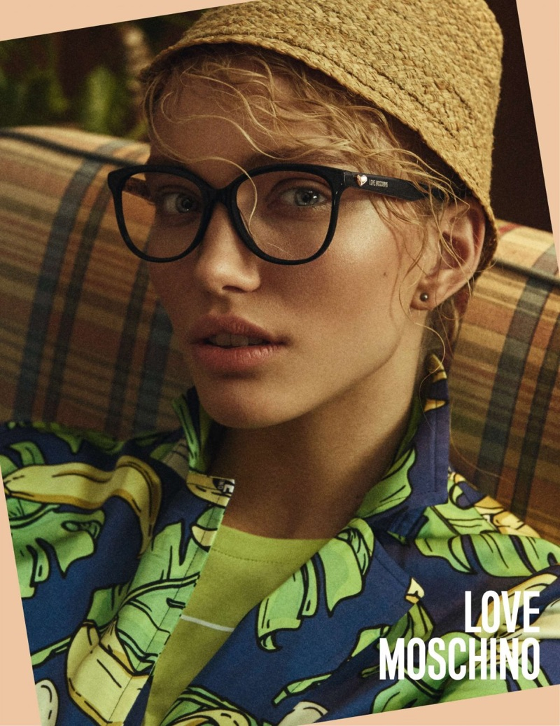 Love Moschino features chic eyewear in spring-summer 2018 campaign