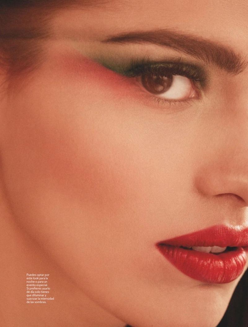 3a321207594 ... Actress Sara Sálamo wears a bold red lip color