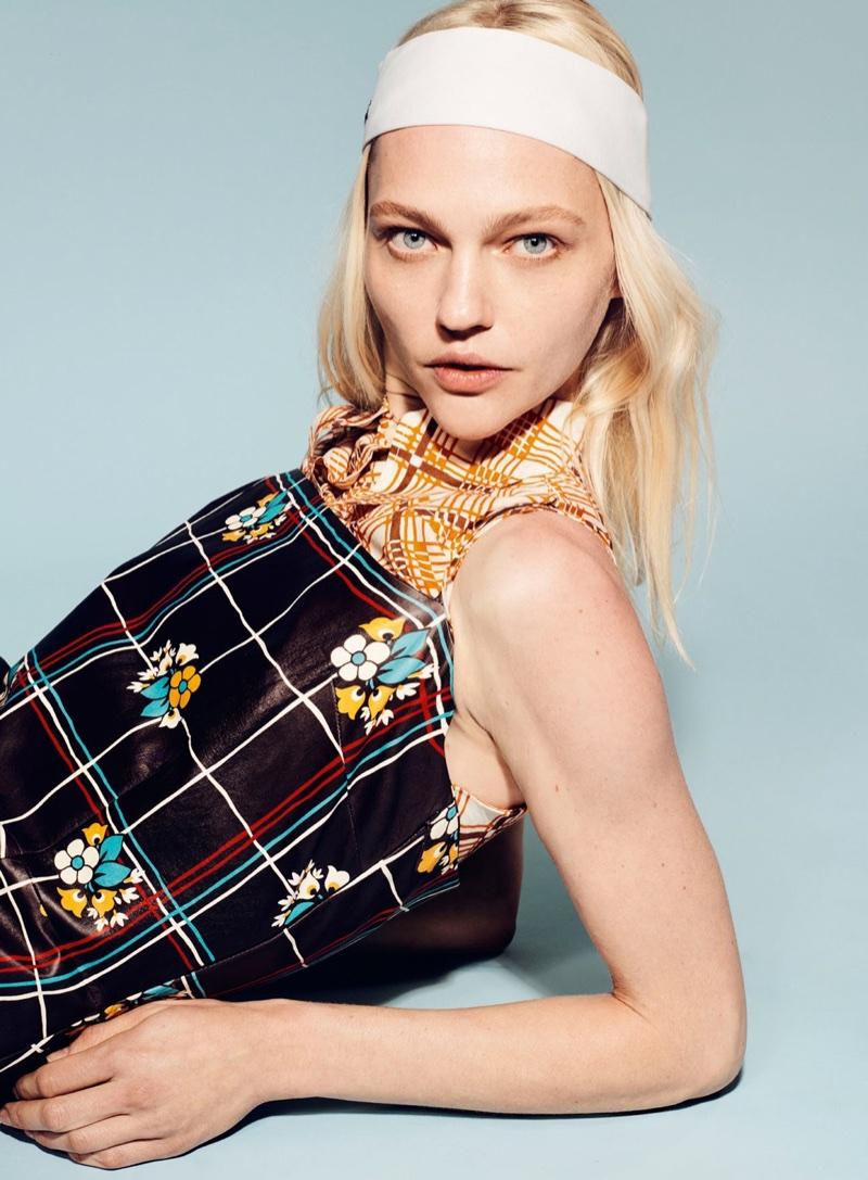 Sasha Pivovarova Poses in Eye-Catching Prints for Vogue Turkey