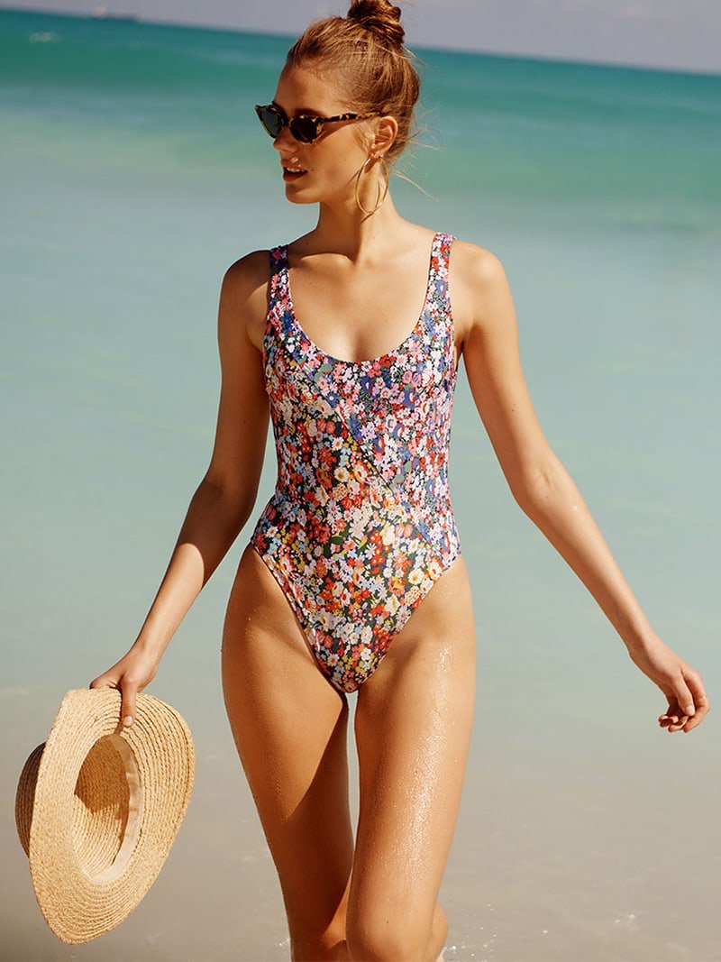 Araks Harley One Piece Swimsuit, Illesteva Isabella Sunglasses and Hat Attack Raffia Braid Boater Hat