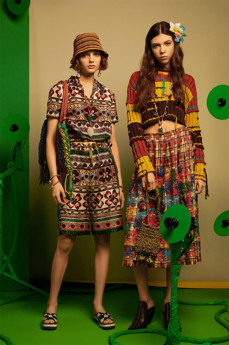 5c4ca6fe7eee ... Models Fran Summers and Léa Julian appear in Zara Studio spring-summer  2018 lookbook