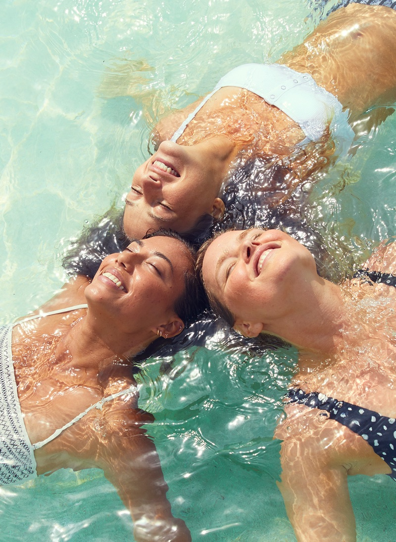 Models pose in Panama for Aerie Swim's summer 2018 campaign
