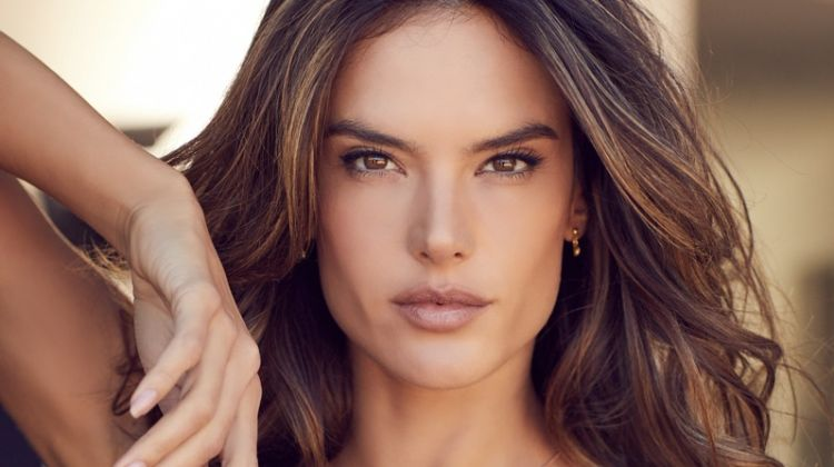 Wearing a wavy hairstyle, Alessandra Amborsio fronts Lascana's spring-summer 2018 campaign