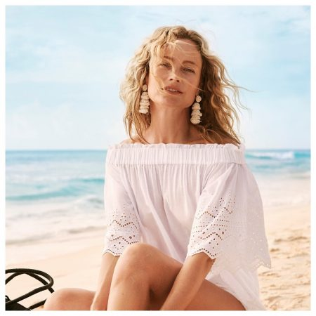 Carolyn Murphy stars in H&M's summer 2018 campaign
