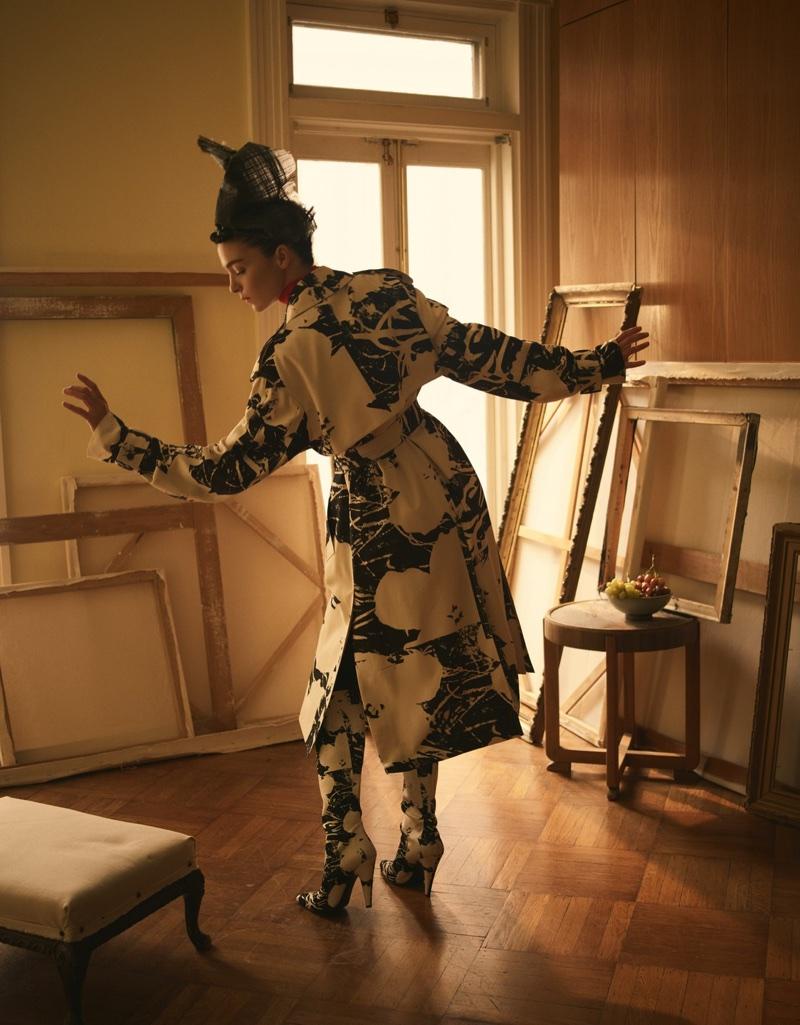 Mariacarla Boscono Poses in The Prettiest Prints for Vogue Mexico