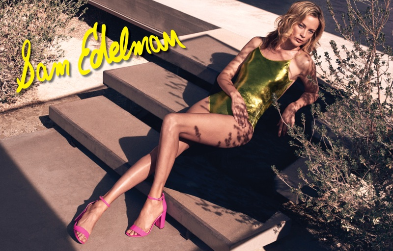 Carolyn Murphy wears pink sandals in Sam Edelman's spring-summer 2018 campaign