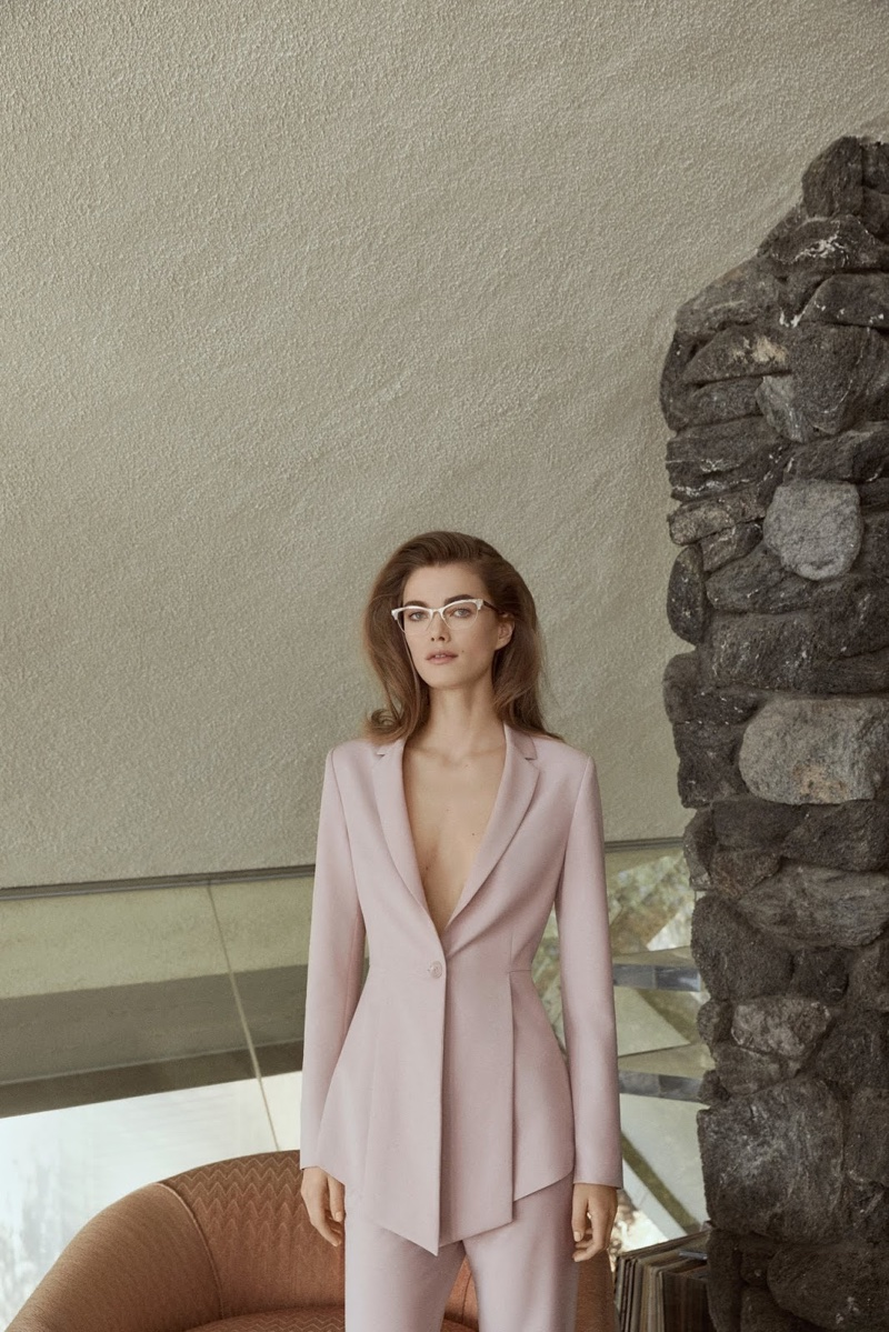 BCBG Max Azria features chic suiting in spring-summer 2018 campaign