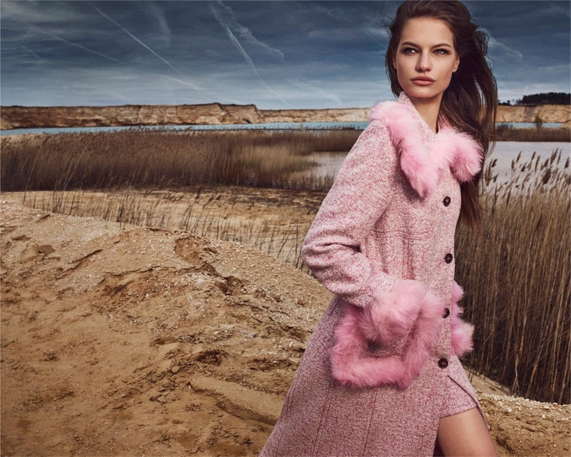 Dressed in pink, Faretta fronts Blumarine's fall-winter 2018 campaign