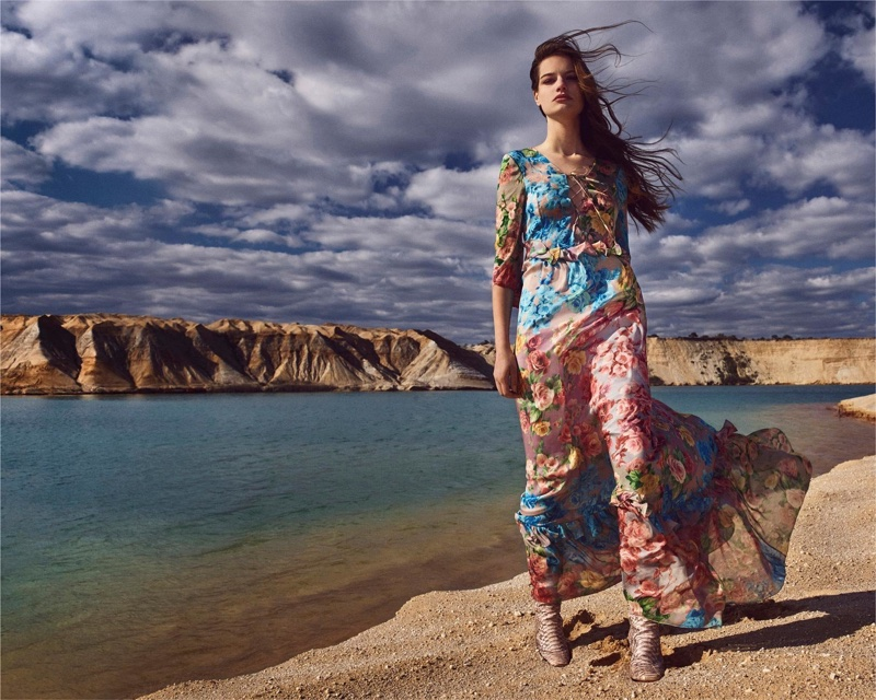 Faretta models floral print dress in Blumarine's fall-winter 2018 campaign