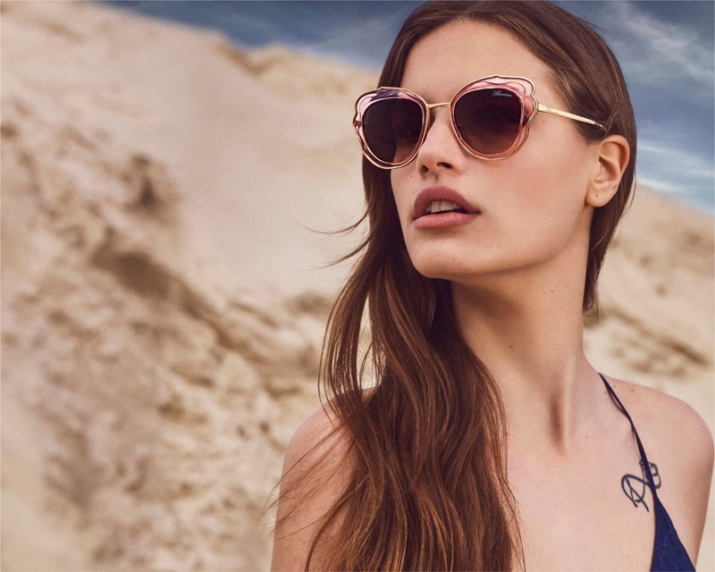 Faretta models sunglasses for Blumarine's fall-winter 2018 campaign