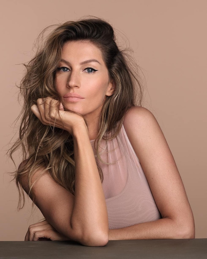 Supermodel Gisele Bundchen wears neutral makeup tones for O Boticário beauty campaign