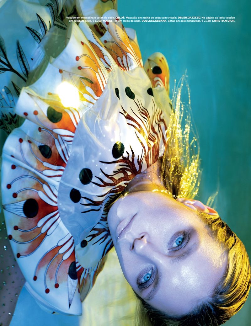 Jessica Stam is An Underwater Beauty for Vogue Portugal