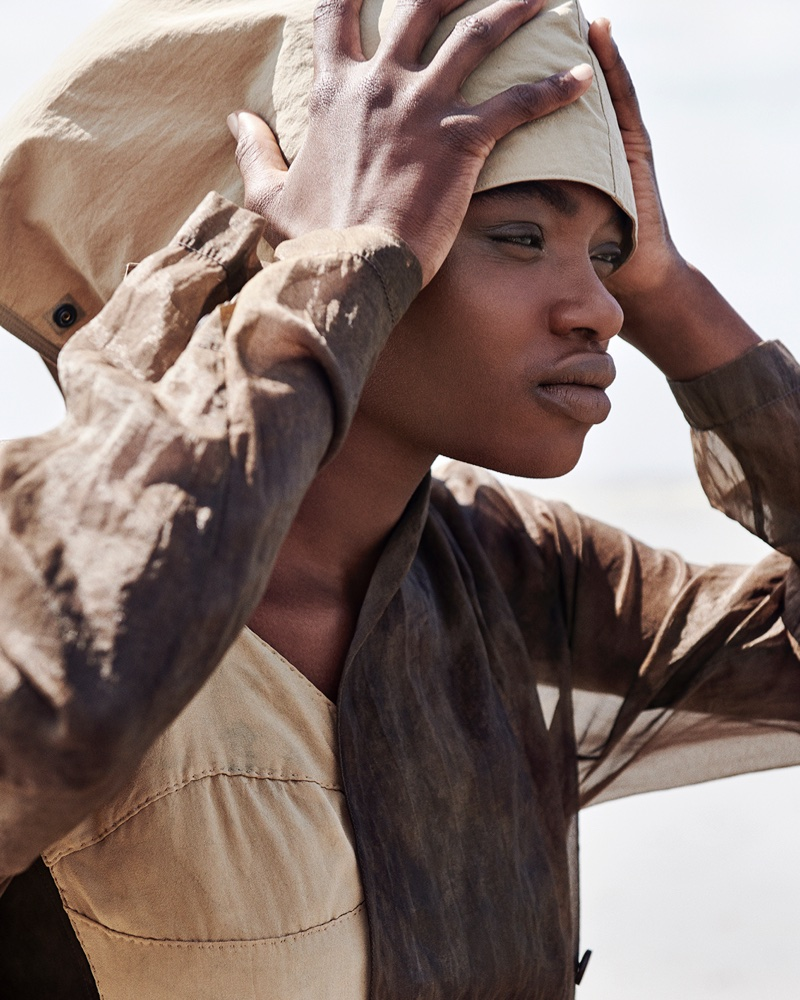 Zoe, Ninouk & Ena Pose in Effortless Beach Styles for Vogue Portugal