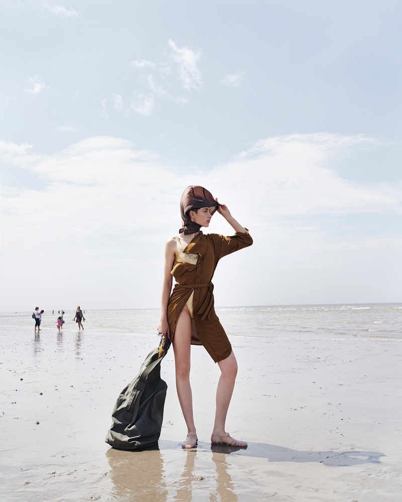Zoe, Ninouk & Ena Pose in Effortless Beach Styles for Vogue Portugal