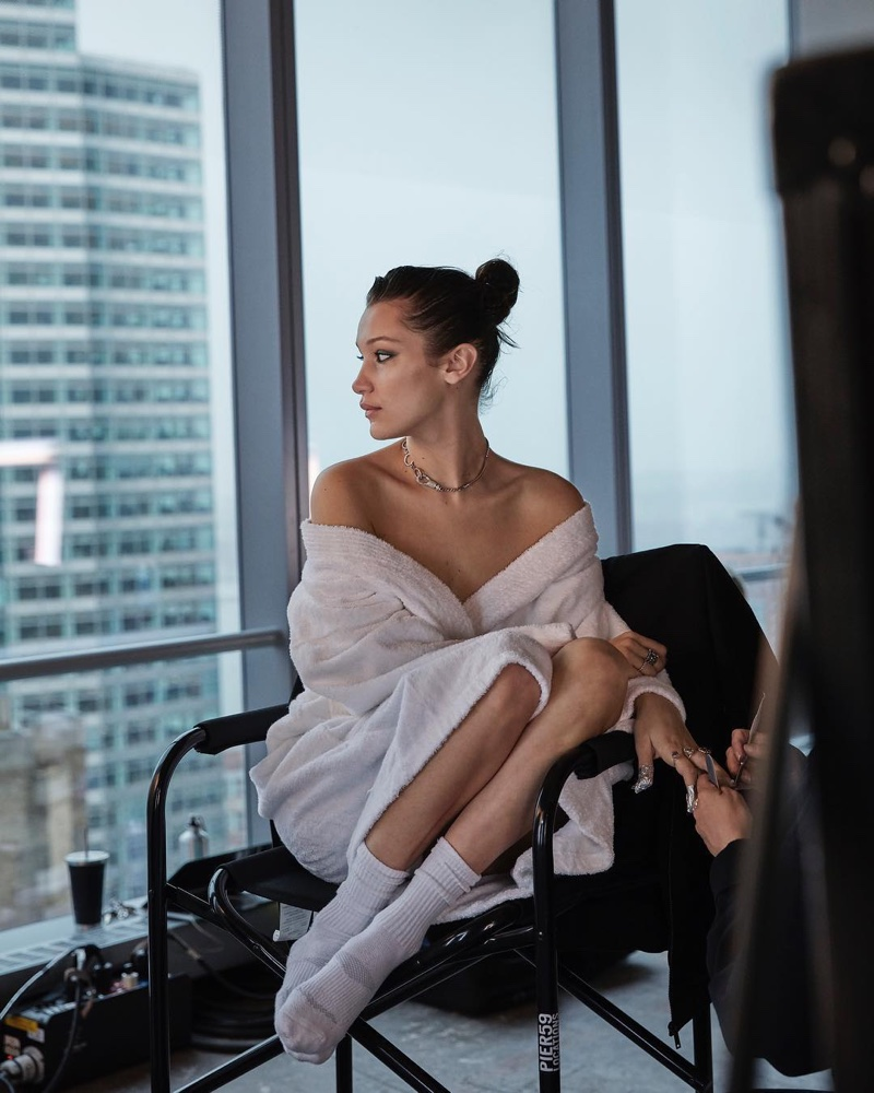 BEHIND-THE-SCENES: Bella Hadid on set at Ochirly fall-winter 2018 shoot