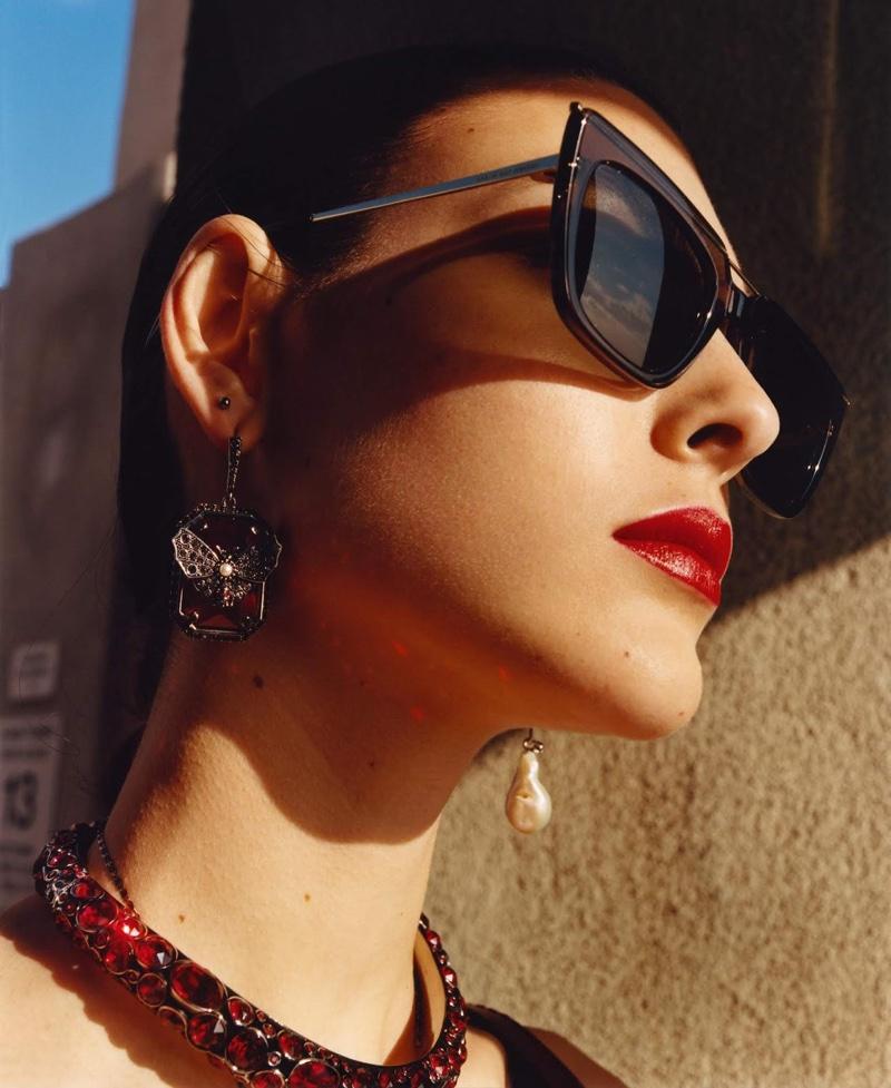 Eyewear takes the spotlight in Alexander McQueen fall-winter 2018 campaign