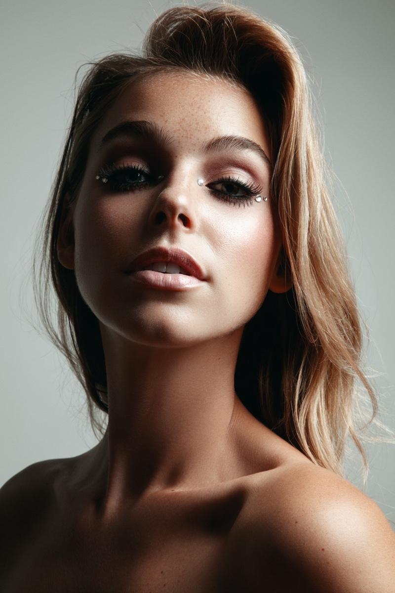 Model Elizabeth Turner wears crystal accents. Photo: Jeff Tse