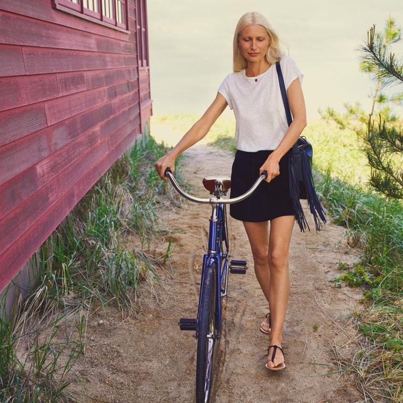 H&M Linen Scoop-Neck Top, Short Suede Skirt, Bag with Fringe and Sandals