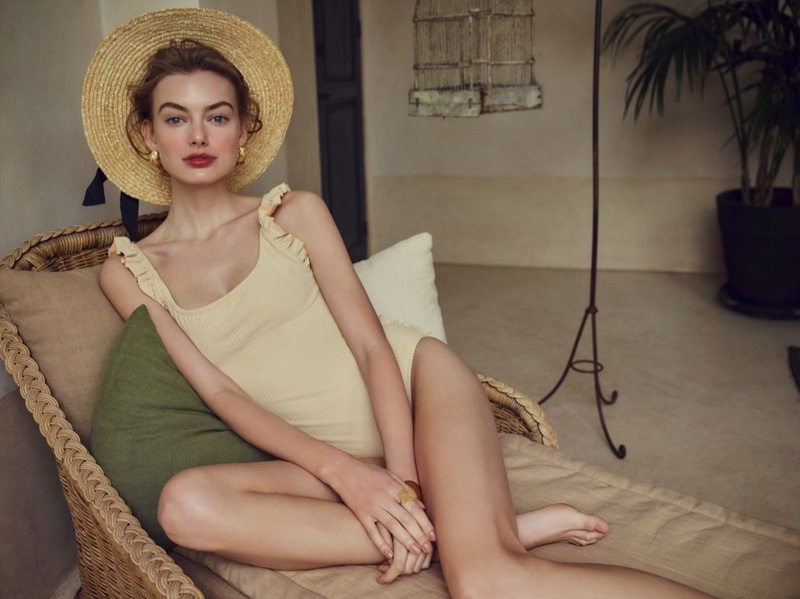 Hanna Verhees Wears Vacation Looks in Hello! Fashion