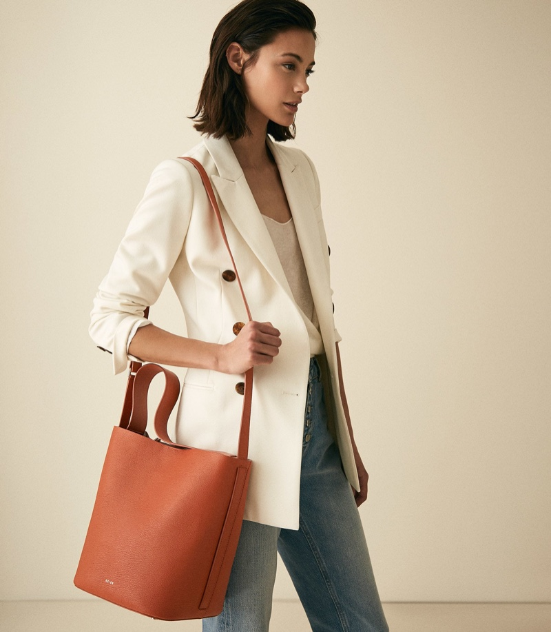 Reiss Hudson Leather Bucket Bag in Hazel $290 (previously $370)