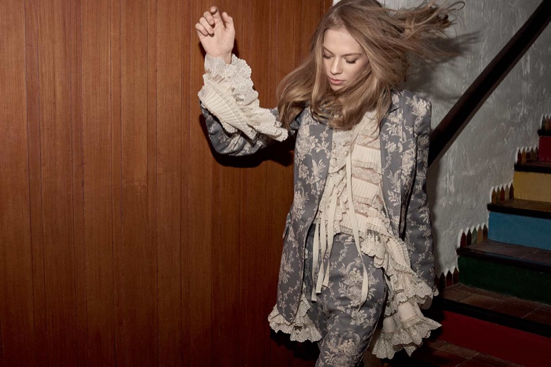 Lexi Boling wears Fleeting blazer and shorts in Zimmermann fall-winter 2018 campaign