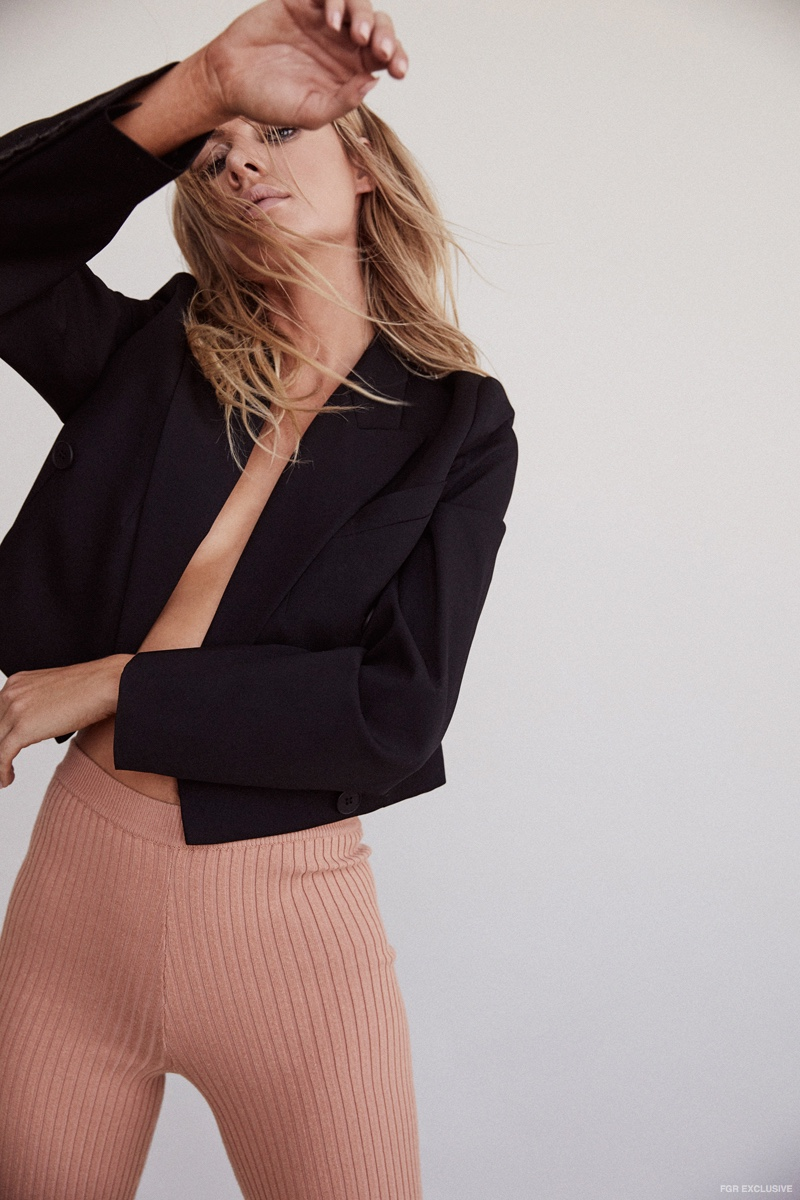 Blazer Stella McCartney, Pants giu giu and Jewelry Jessica Seaton