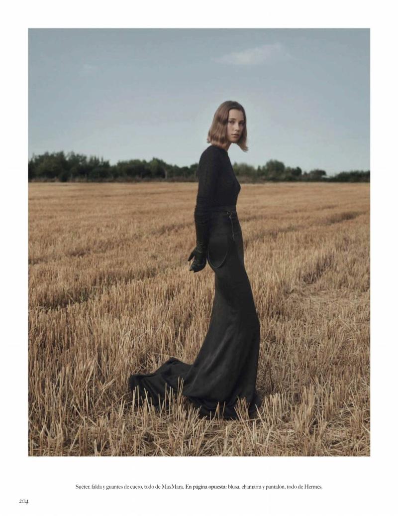 Mali Koopman Layers em estilos ao ar livre para a Vogue Mexico