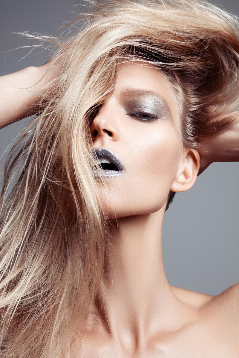 Model Sarah DeAnna shines in a metallic makeup look. Photo: Jeff Tse