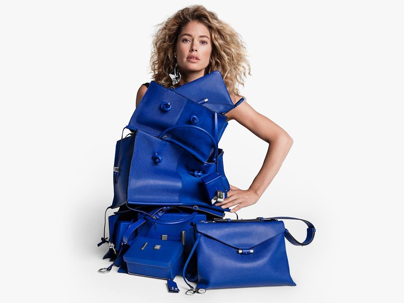 Doutzen Kroes poses with leather bags in Stuart Weitzman fall-winter 2018 campaign