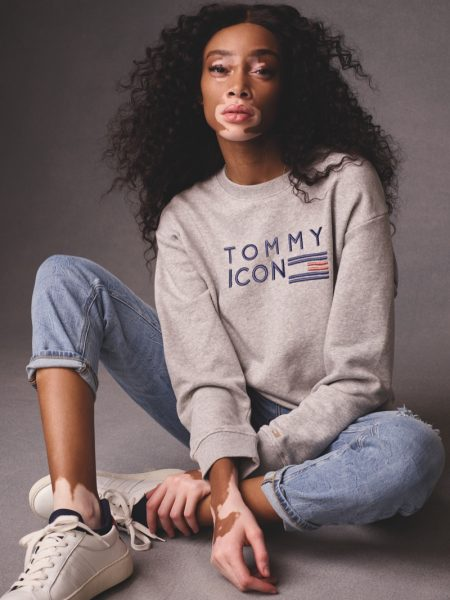 Hailey Baldwin & Winnie Harlow Front Tommy Icons Fall '18 Collection