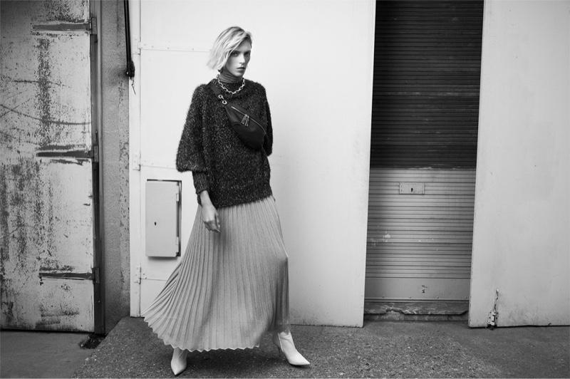 Anja Rubik models Zara fall-winter 2018 sweaters