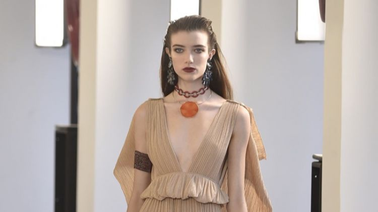 Chloe Channels Modern Hippie for Spring 2019