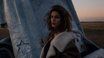 An image from the Acne Studios fall-winter 2018 campaign with Cindy Crawford